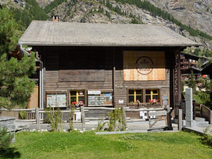 Budget Hotel in Zermatt für den Winterurlaub - The Matterhorn Hostel